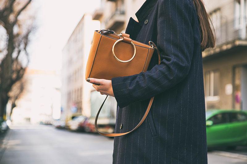 Bu Çantayı Farklı Stiline Vurgu Yapmak İçin Kullanabilirsin