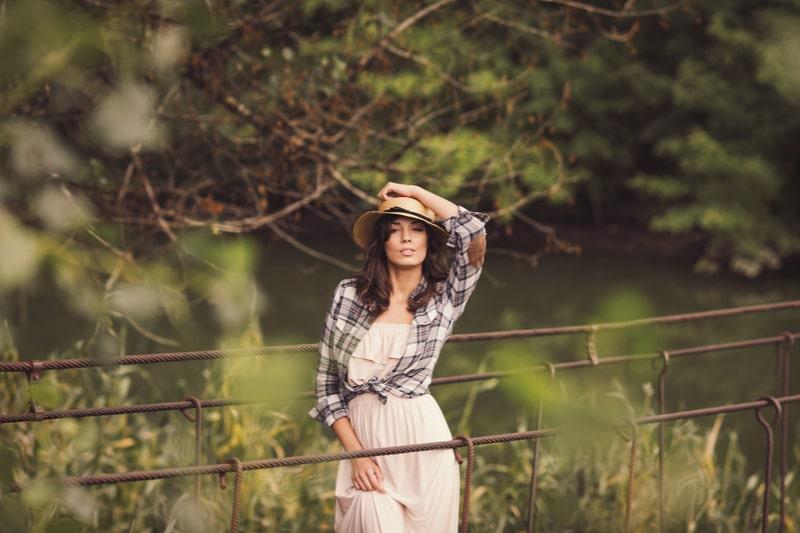 kadınlar oduncu gömleği nasıl kombinlemeli