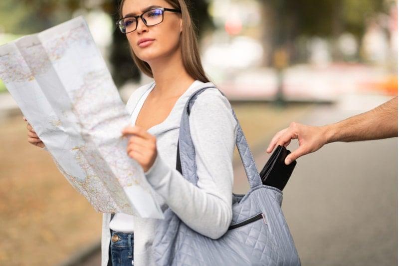 hırsızlığa karşı güvenilir çanta modelleri