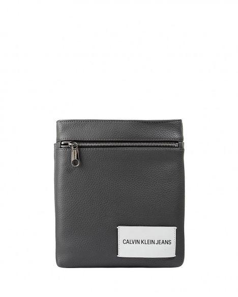Calvin Klein Pebble Flat Çapraz Askılı Erkek Çantası K40K400401 Charcoal