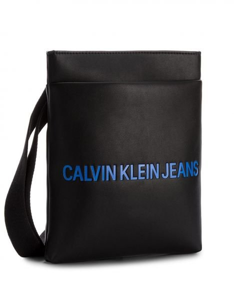 Calvin Klein Smooth Flat Çapraz Askılı Erkek Çantası K40K400373 Black