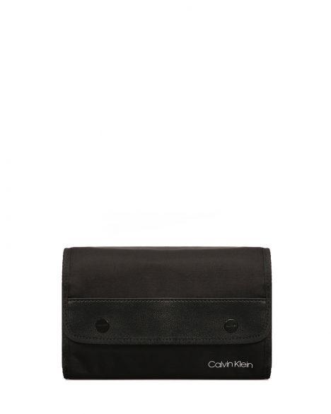 Calvin Klein United Seyahat Aksesuar Çantası K50K505404 Black